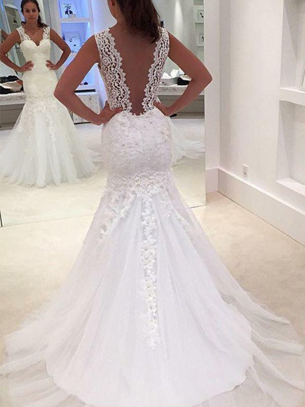 Trumpet/Mermaid Court Train V-neck Sleeveless Applique Lace Wedding Dresses
