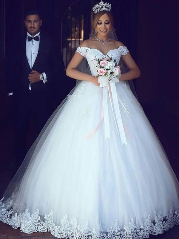 Ball Gown Lace Tulle Floor-Length Sleeveless Off-the-Shoulder Wedding Dresses
