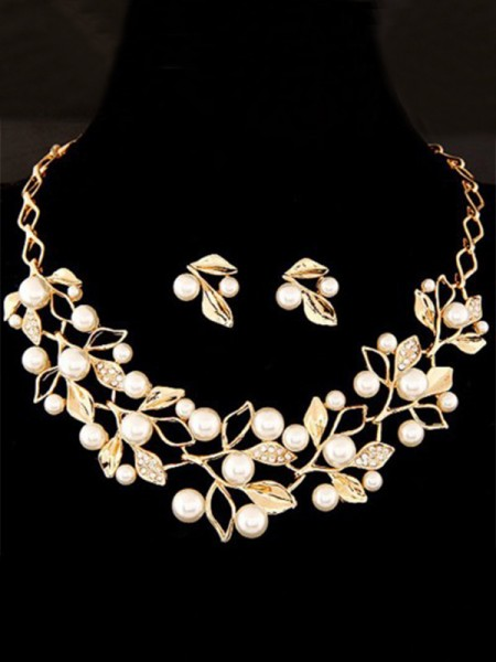 Attractive Alloy With Pearl Women's Jewelry Set