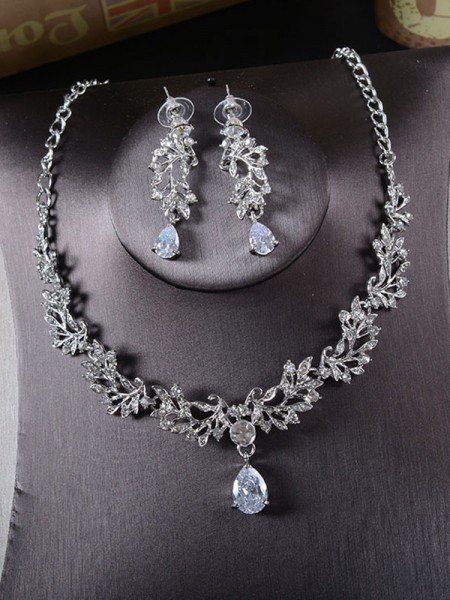 Ladies's Alloy With Rhinestone Beautiful Jewelry Set