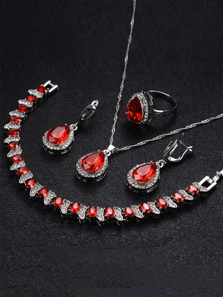 Women's Occident Graceful Alloy With Rhinestone Jewelry Set