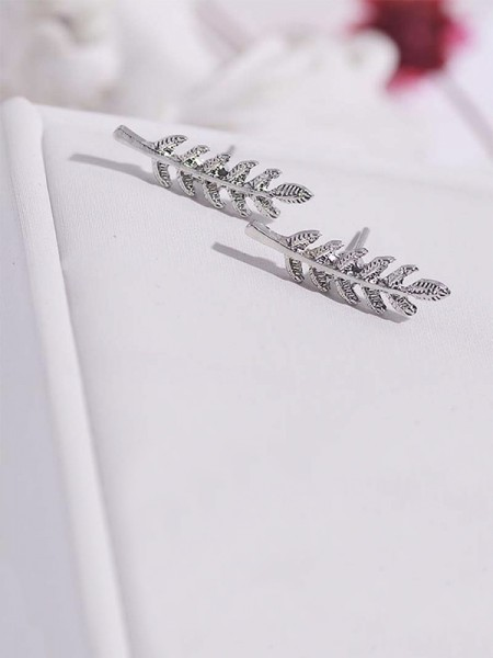 Hot Sale Brilliant Alloy With Leaf Earrings For Women