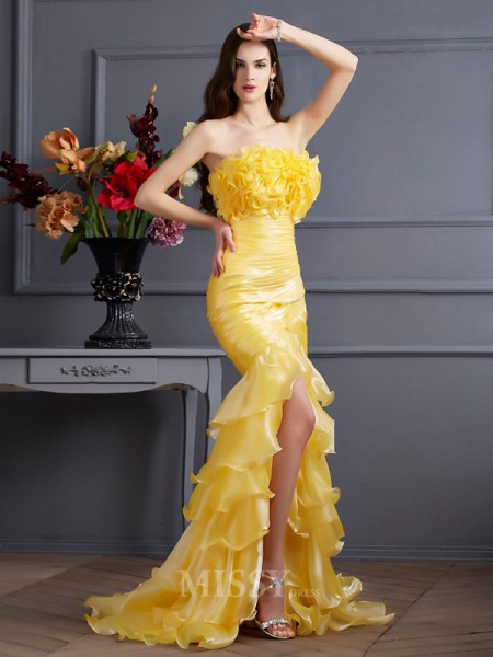 Mermaid Strapless Sweep Train Tulle Evening Dress With Sequin
