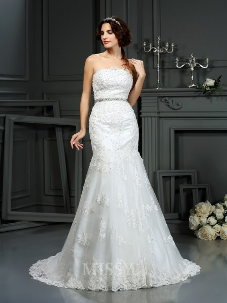 Trumpet/Mermaid Strapless Court Train Lace Wedding Dress With Ruffles Beading