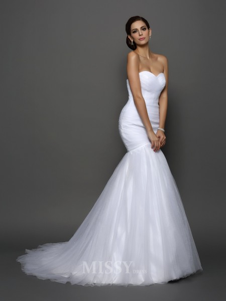 Trumpet/Mermaid Sweetheart Net Court Train Wedding Dress With Applique Pleats