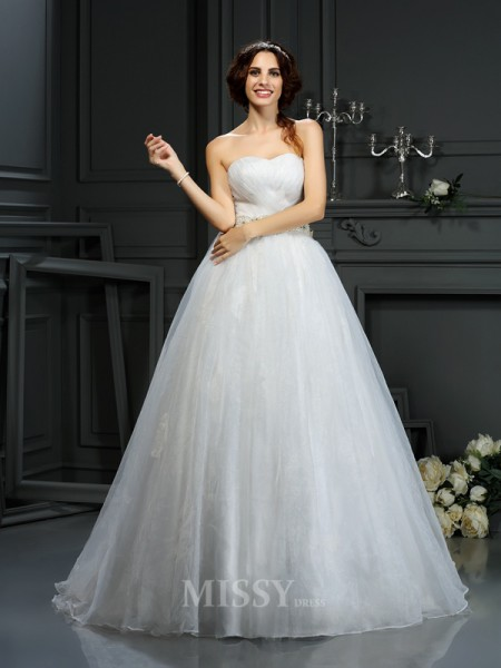A-Line/Princess Sweetheart Court Train Organza Wedding Dress With Ruched