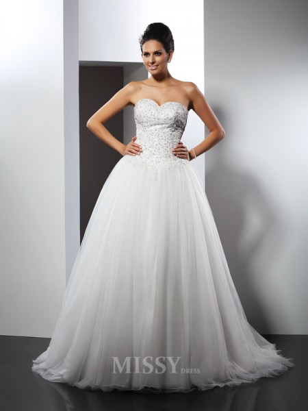 A-Line/Princess Sweetheart Chapel Train Net Wedding Dress With Ruched Applique