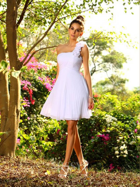 A-Line/Princess One-Shoulder Chiffon Knee-Length Bridesmaid Dress With Ruched