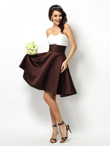 A-Line/Princess Sweetheart Short/Mini Satin Bridesmaid Dress With Applique