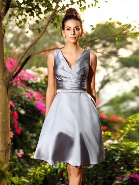 A-Line/Princess V-neck Knee-Length Satin Bridesmaid Dress With Beading