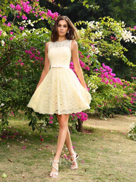 A-Line/Princess Elastic Woven Satin Scoop Knee-Length Lace Bridesmaid Dress With Beading