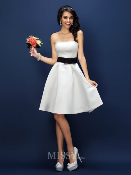 A-Line/Princess Strapless Knee-Length Satin Bridesmaid Dress With Pleats Sash