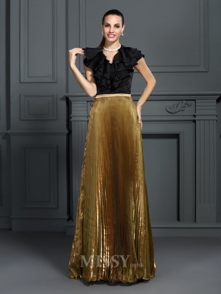A-Line/Princess V-neck Floor-Length Tulle Dress With Lace Pleats