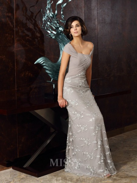 A-Line/Princess Off-the-Shoulder Chiffon Floor-Length Dress With Beading Applique
