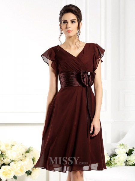 A-Line/Princess V-neck Short Sleeves Knee-Length Chiffon Bridesmaid Dress With Ruched Bowknot