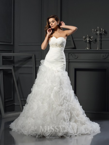A-Line/Princess Sweetheart Organza Chapel Train Wedding Gown With Rhinestone