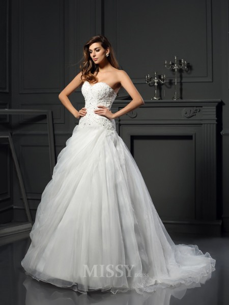 Ball Gown Sweetheart Organza Chapel Train Ruffles Wedding Dress With Ruched