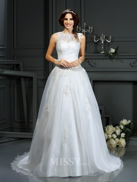 A-Line/Princess Scoop Net Court Train Wedding Dress With Applique