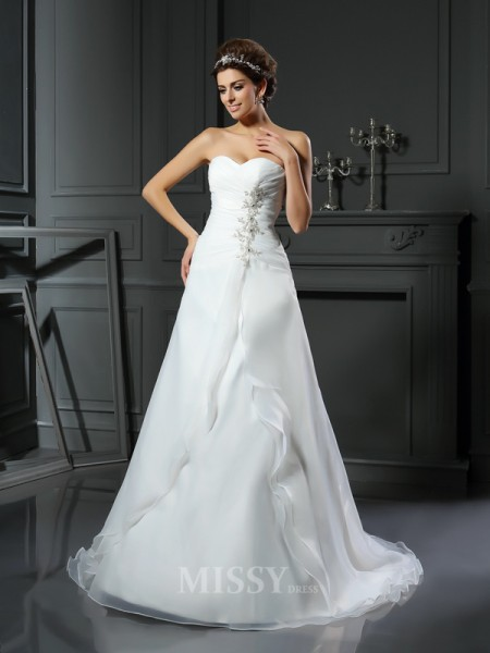 A-Line/Princess Sweetheart Chapel Train Satin Wedding Dress With Ruched