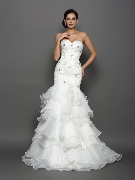 Trumpet/Mermaid Sweetheart Organza Chapel Train Wedding Dress With Applique
