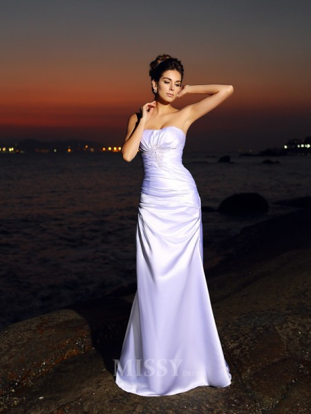 Trumpet/Mermaid Sweetheart Satin Chapel Train Wedding Dress With Rhinestone