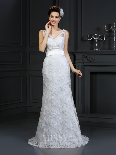 Trumpet/Mermaid Sweetheart Chapel Train Lace Wedding Dress With Sash Applique