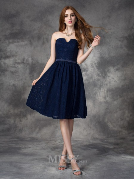 A-line/Princess Sweetheart Lace Knee-Length Bridesmaid Dress With Ruffles