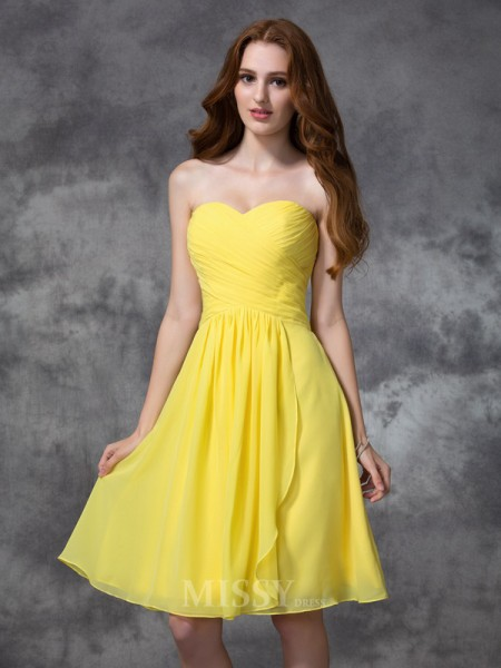 A-line/Princess Sweetheart Knee-length Chiffon Bridesmaid Dress With Beading Ruched