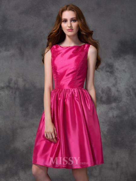 A-line/Princess Bateau Knee-length Taffeta Bridesmaid Dress With Beading Ruched