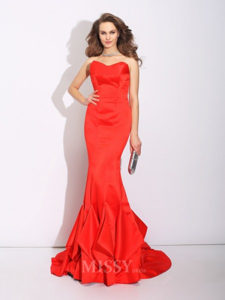 Trumpet/Mermaid Sweetheart Court Train Satin Dress With Beading Layers