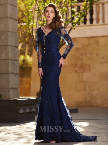 Trumpet/Mermaid V-neck Long Sleeves Applique Sweep/Brush Train Dress With Lace