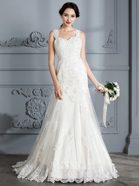 Trumpet/Mermaid Sweetheart Lace Sleeveless Court Train Wedding Dress