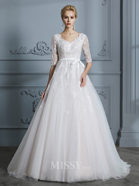 Ball Gown Court Train 1/2 Sleeves Lace Tulle V-neck Wedding Dresses