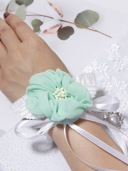 Lovely Cloth Wrist Wedding Corsage