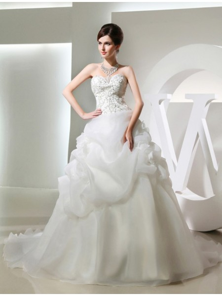 Ball Gown Hand-Made Flower Beading Strapless Sweetheart Chapel Train Sleeveless Organza Wedding Dresses