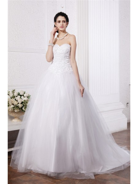 Ball Gown Beading Applique Sweetheart Chapel Train Sleeveless Net Wedding Dresses