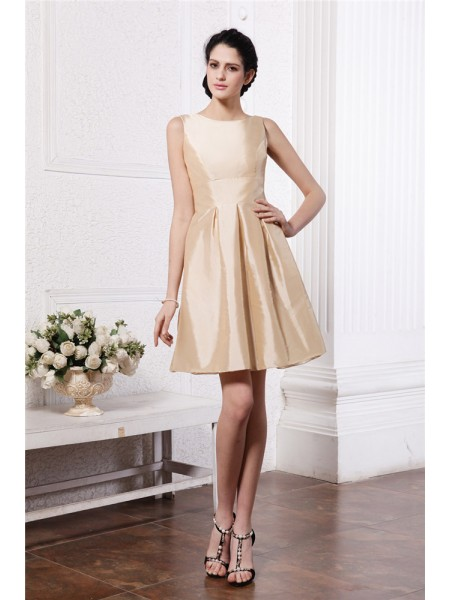 A-Line/Princess Pleats Scoop Short/Mini Sleeveless Taffeta Bridesmaid Dresses