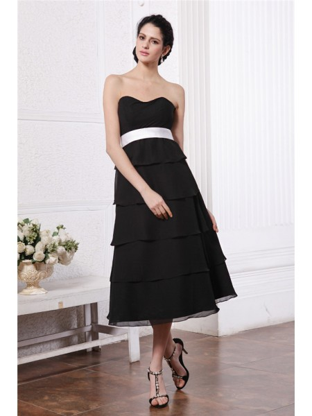 A-Line/Princess Sash/Ribbon/Belt Ruffles Sweetheart Tea-Length Sleeveless Chiffon Bridesmaid Dresses