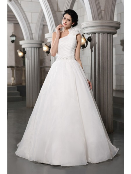 A-Line/Princess Beading One-Shoulder Chapel Train Sleeveless Organza Wedding Dresses