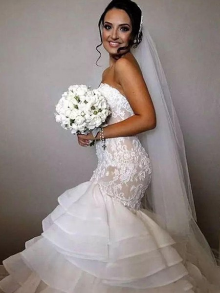 Trumpet/Mermaid Sweetheart Chapel Train Ruffles Applique Lace Sleeveless Organza Wedding Dresses