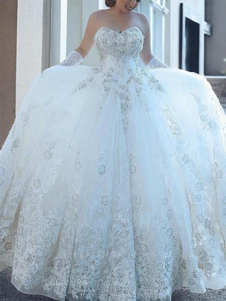 Ball Gown Sweetheart Applique Tulle Cathedral Train Sleeveless Wedding Dresses