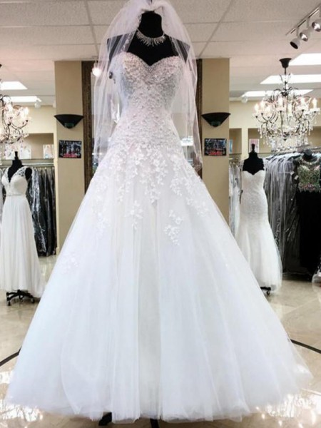Ball Gown Sweetheart Applique Tulle Sleeveless Floor-Length Wedding Dresses
