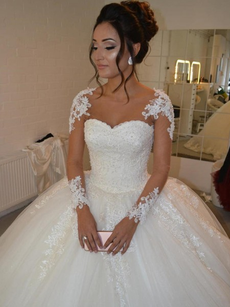 Ball Gown Tulle Scoop Applique Court Train Long Sleeves Wedding Dresses