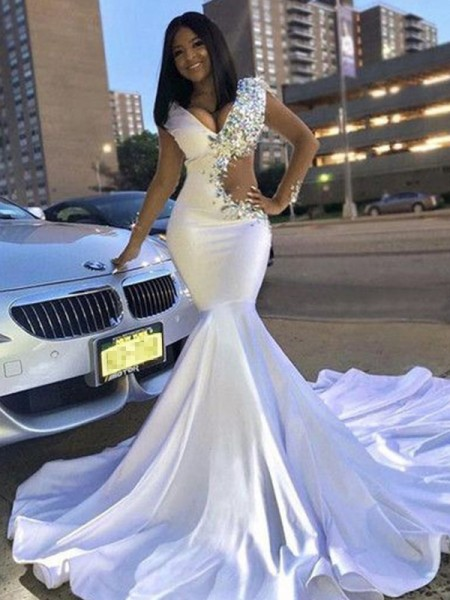 Trumpet/Mermaid Sleeveless Satin V-neck Court Train Beading Dresses