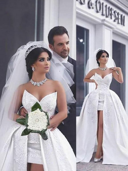 Ball Gown Satin Sweetheart Sleeveless Chapel Train Beading Wedding Dresses