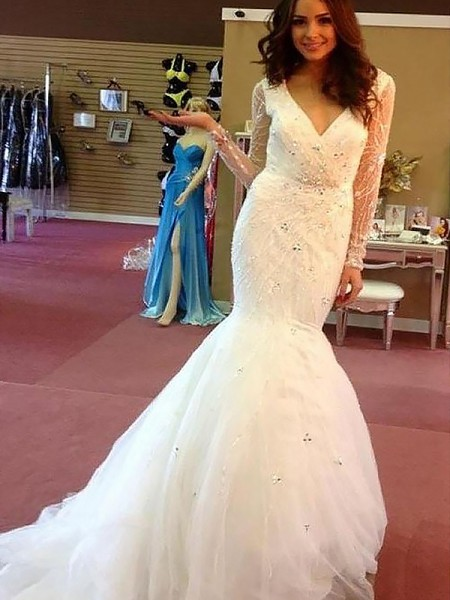 Trumpet/Mermaid Tulle V-neck Long Sleeves Court Train Beading Wedding Dresses