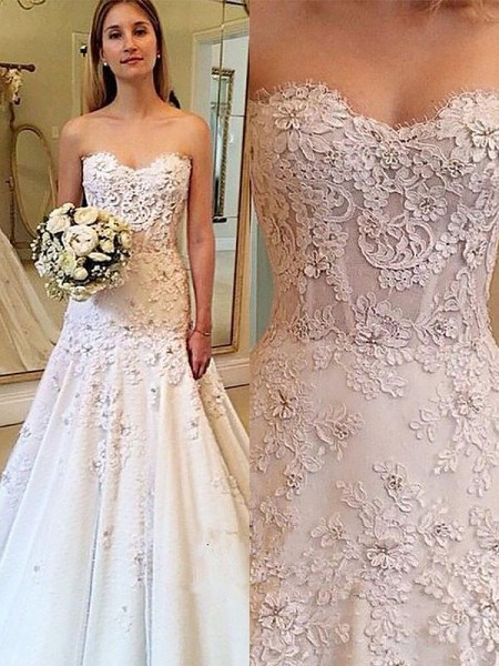 A-Line/Princess Lace Sweetheart Sleeveless Court Train Wedding Dresses