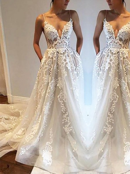 A-Line/Princess Tulle Spaghetti Straps Sleeveless Court Train Wedding Dresses