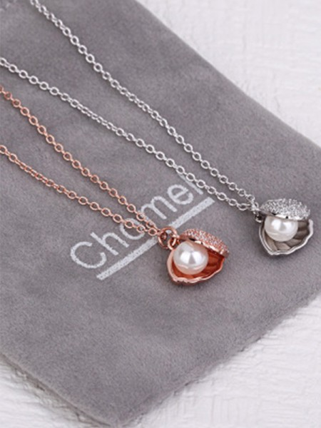 Hot Sale Womens Necklaces Pretty Pearl With Shell