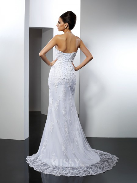 Trumpet/Mermaid Sweetheart Lace Court Train Satin Wedding Dress With Beading